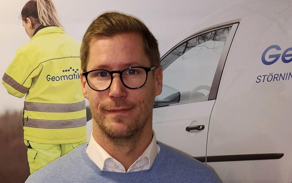 Peter Bengtsson säljer Geomatikks tjänster i halva Sverige.